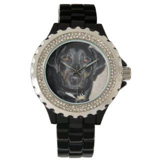 Chapoteo bonito del chica reloj de mano