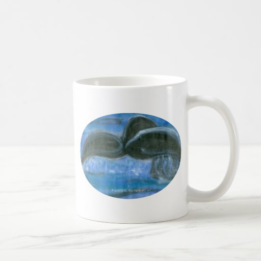 Chapoteo de la cola de la ballena taza