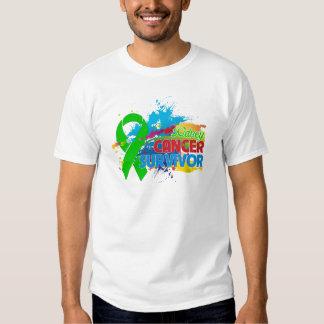 Chapoteo del color - superviviente del cáncer del camisas