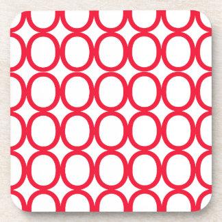 Chapoteo del rojo y blanco de los o posavasos para bebidas
