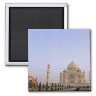 Charbagh vacío cultiva un huerto en el Taj Mahal e Imán Cuadrado