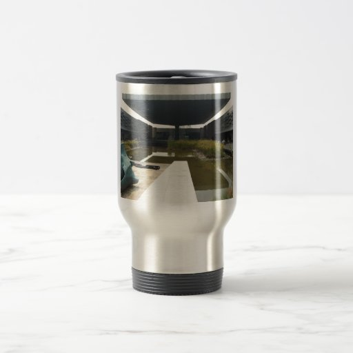 Charca cubierta hermosa taza de café