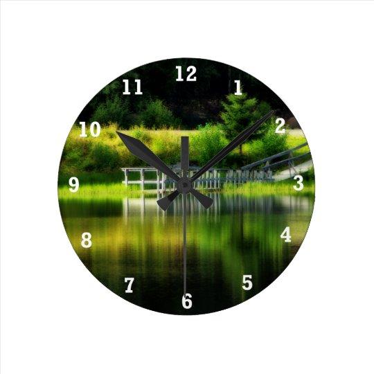 Charca del espejo reloj redondo mediano