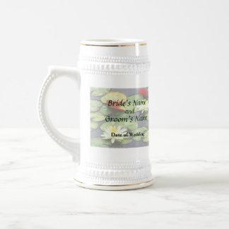 Charca del lirio de agua en productos del boda del jarra de cerveza