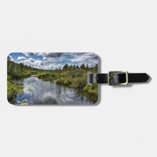 Charcas del río del país del agua etiqueta para maleta