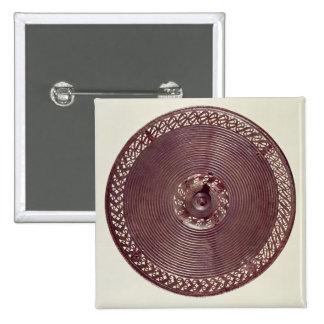 Chariot wheel decoration with openwork border button
