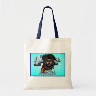 Charla como bolsos de un pirata… bolsas de mano