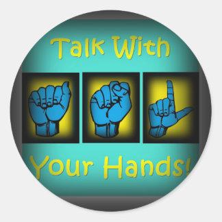 Charla con sus manos (2) etiqueta redonda