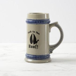 Charla divertida de la cabra al enganche jarra de cerveza