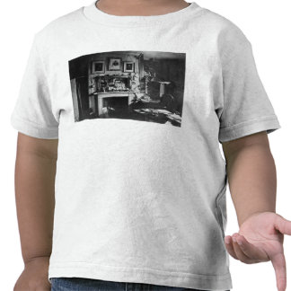 Charles Darwin's study at Down House T Shirts