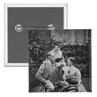 Charles Dickens con dos de sus hijas Pin