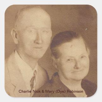 Charlie Nick y Maria (tinte) Robinson Calcomanía Cuadradas Personalizada