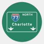 Charlotte, señal de tráfico del NC Pegatina Redonda