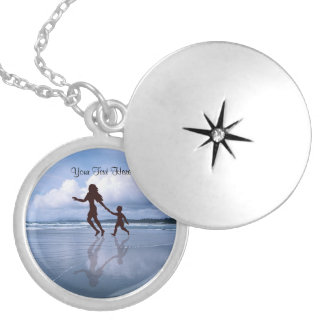 Charming Silhouette of Mother & Son at the Beach Round Locket Necklace