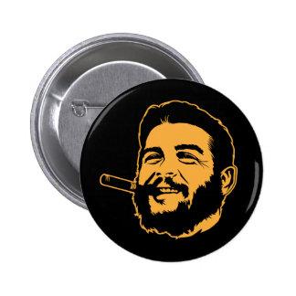 Che Guevara con el botón del retrato del cigarro Pin Redondo De 2 Pulgadas