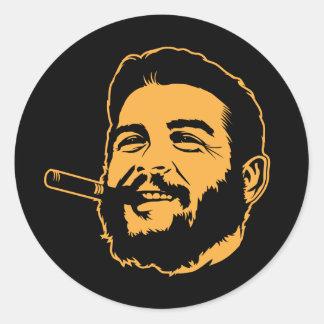 Che Guevara con el pegatina del retrato del