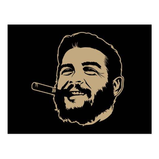 Che Guevara con la postal del retrato del cigarro