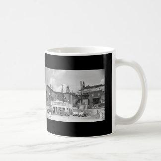Cheap Gas Vintage Station & Classic Cars Coffee Mug