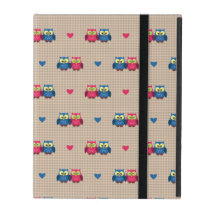Checked pattern with love owls iPad cover