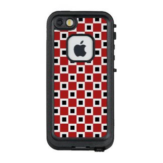 Checkered Red, White and Black Squares LifeProof FRĒ iPhone SE/5/5s Case