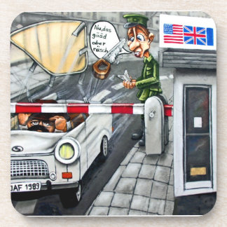 Checkpoint Charlie, Berlín, dibujo animado Posavasos
