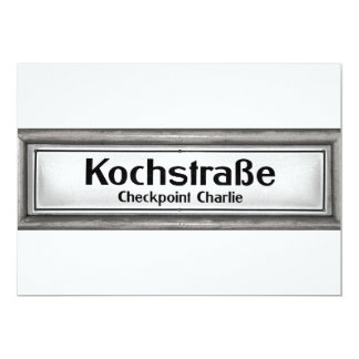 "Checkpoint Charlie, Kochstrabe, blanco y negro Invitación 5"" X 7"""