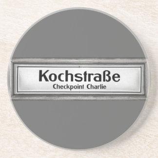 Checkpoint Charlie, Kochstrabe, blanco y negro Posavasos Diseño