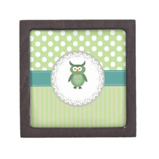 Cheerful cute owl doily lace gift box