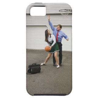 Cheerleader playing basketball with her father iPhone SE/5/5s case