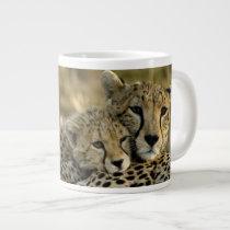 Cheetah, Acinonyx jubatus, with cub in the Masai 2 Large Coffee Mug