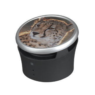 Cheetah looking away bluetooth speaker