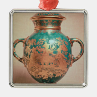 Chelsea vase and lid with gilt chinoiserie christmas tree ornament