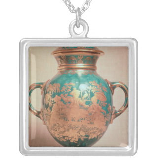Chelsea vase and lid with gilt chinoiserie silver plated necklace