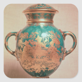 Chelsea vase and lid with gilt chinoiserie square sticker