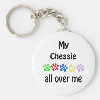 Chesapeake Bay Retriever Walks Design Basic Round Button Keychain