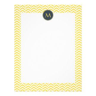 Chevron amarillo y blanco del monograma con carbón membrete a diseño
