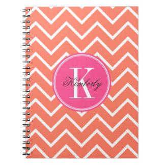 Chevron anaranjado con el monograma rosado notebook