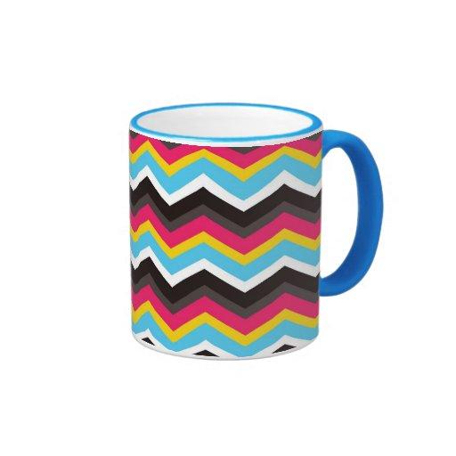 Chevron azul amarillo rosado colorido raya zigzag taza de café