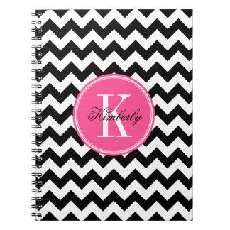 Chevron blanco y negro con el monograma rosado libros de apuntes
