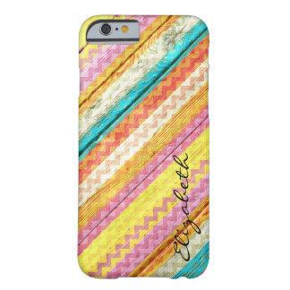 Chevron colorido de madera raya el monograma #11 funda de iPhone 6 barely there