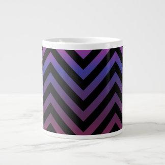 Chevron con púrpura y negro rosados taza grande