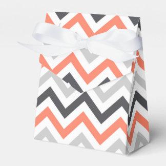 Chevron coralino del naranja, del gris, del negro, caja para regalos de fiestas