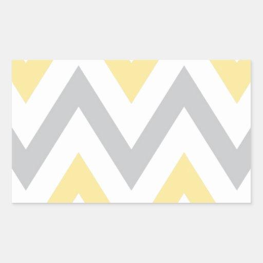 Chevron gris y amarillo pegatina rectangular