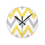 Chevron gris y amarillo reloj