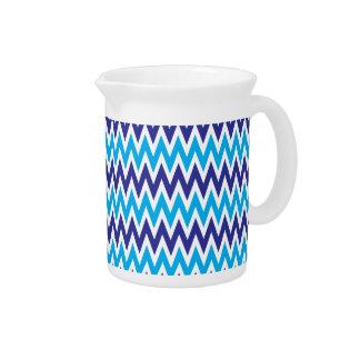 Chevron intrépido zigzaguea modelo rayado azul del jarrón