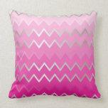 Chevron metálico rosado almohadas