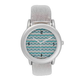 Chevron modernista en azules turquesas reloj