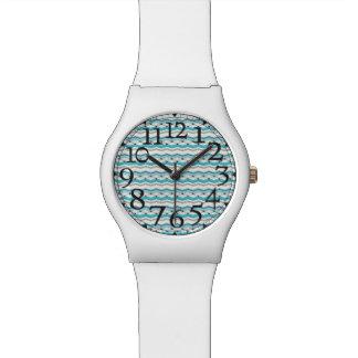 Chevron modernista en azules turquesas reloj de mano