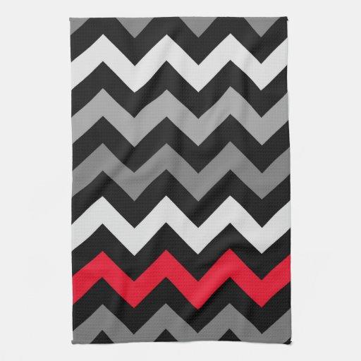 Chevron negro y blanco con la raya roja toalla
