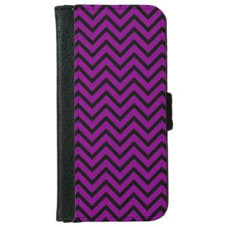 Chevron negro y púrpura funda cartera para iPhone 6